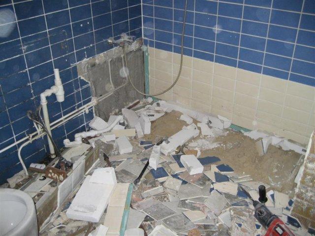 Badkamer slopen? wij helpen u voor een scherpe prijs!